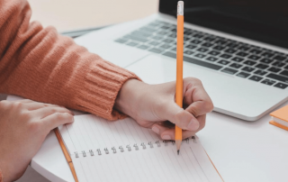College Choice Counseling: 6 tips for winning college application essays